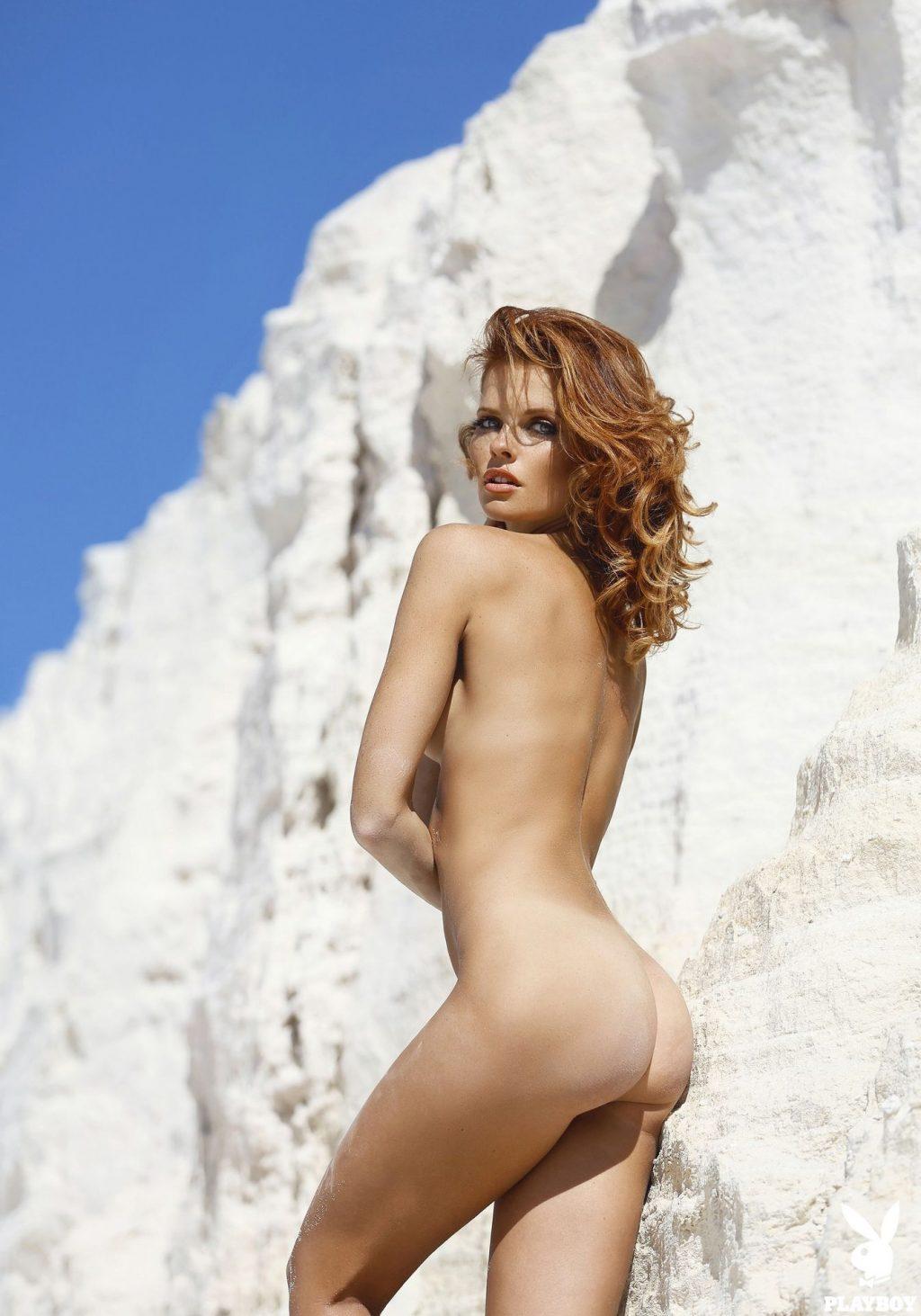 A nude valeria Valeria A