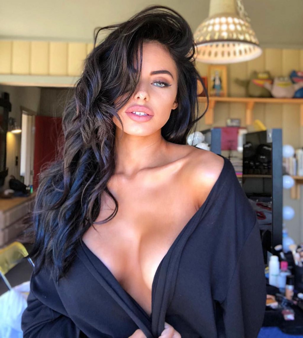 Rodriguez nackt Amanda  Hot Video