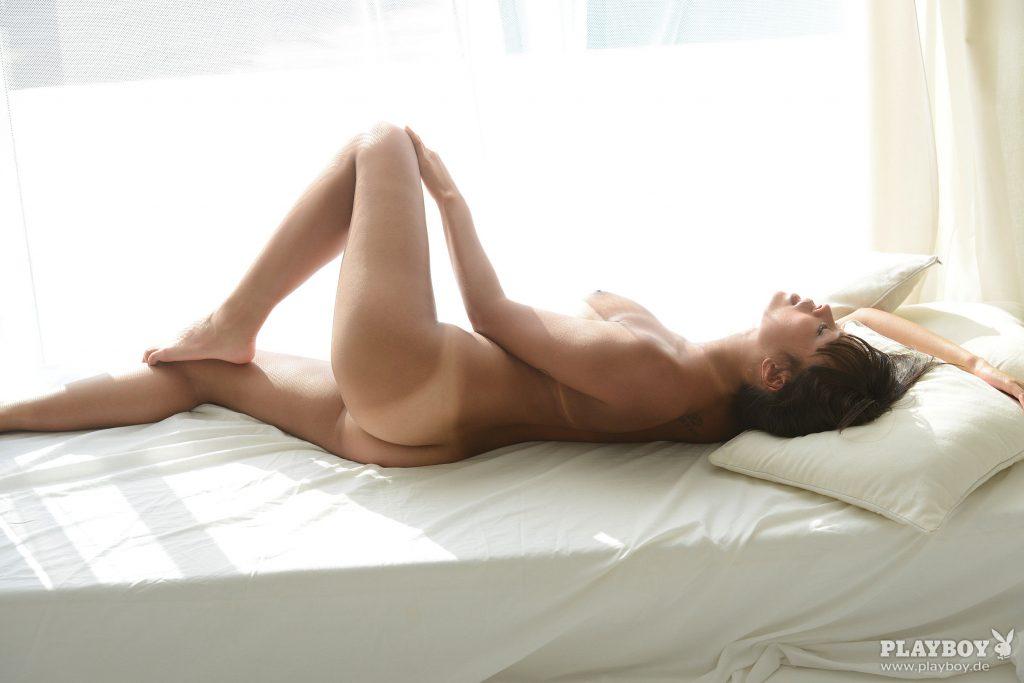 Nhan  Thanh nackt Hoang Thánh Nhân