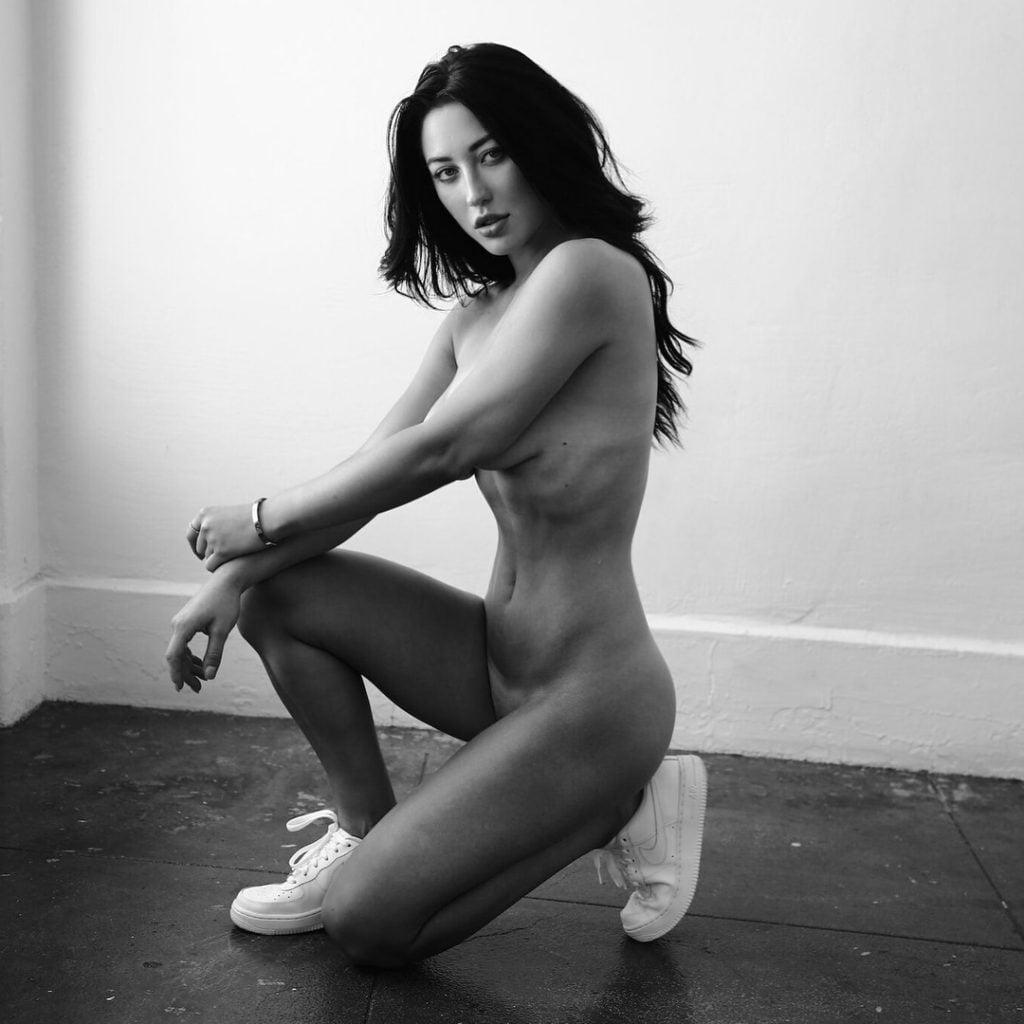 Stefanie Knight  nackt